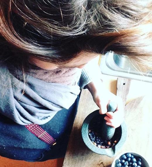 Sloe Ink - Grinding.